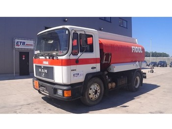 MAN 14.192 (6 CYLINDER / STEEL SUSPENSION / 9000L / 3 COMPARTMENTS) - autocarro cisterna