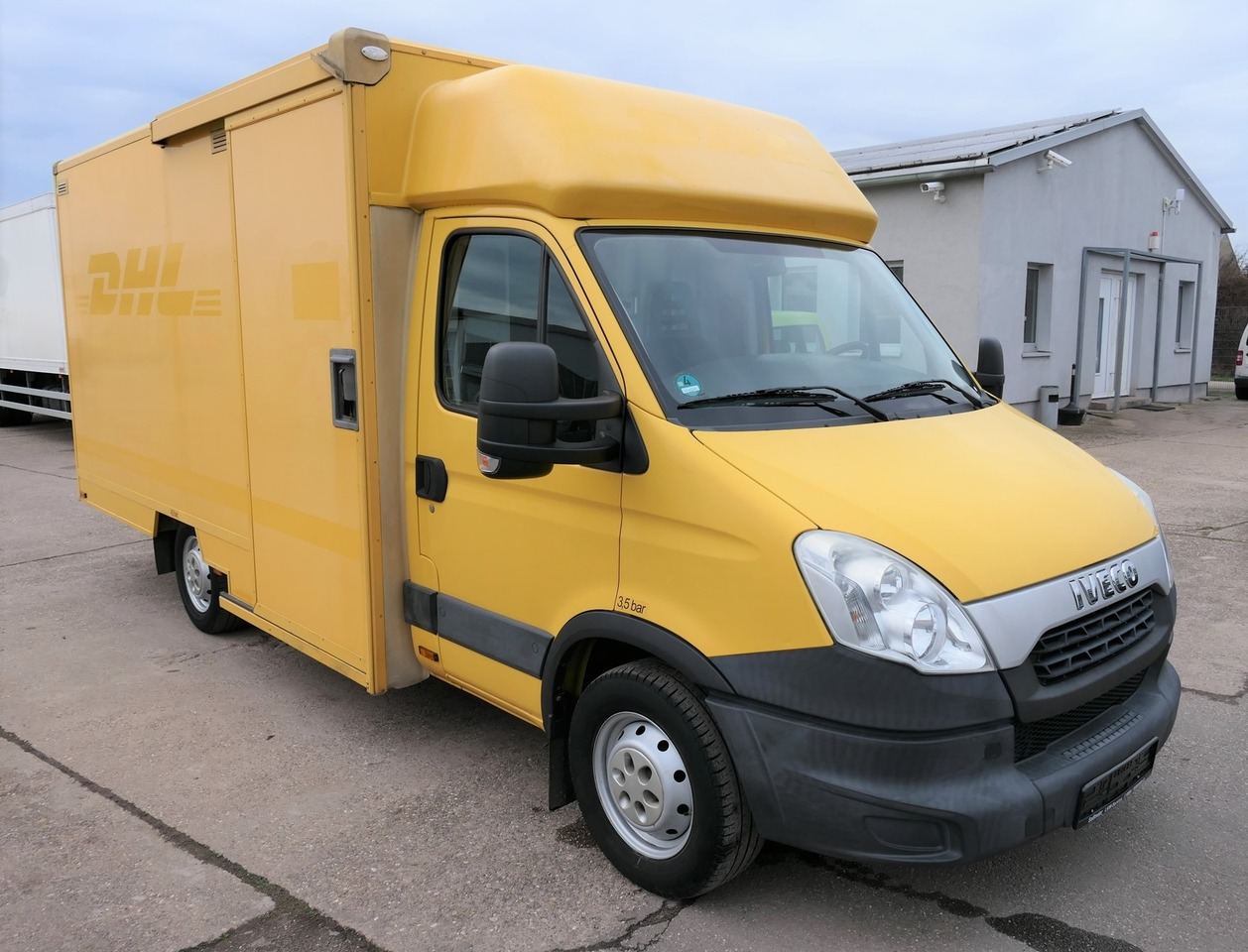 furgone box IVECO Daily 35 S11 AUTOMATIK