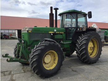 Trattore agricolo John Deere 4955A