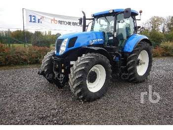 NEW HOLLAND T7 - trattore agricolo