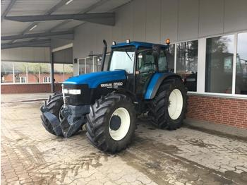 New Holland 8560 - trattore agricolo