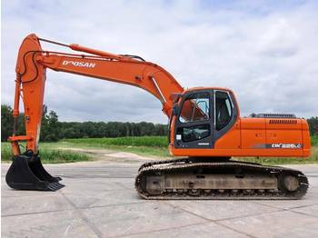 Doosan DX225LC (NEW BUCKET)  - escavatore cingolato